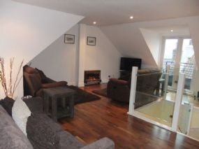 Isla May Pet Friendly Apartment Fife, Lower Largo | Dogs allowed